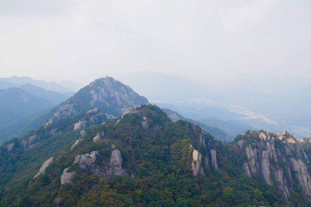 Uitzicht over Songnisan National Park